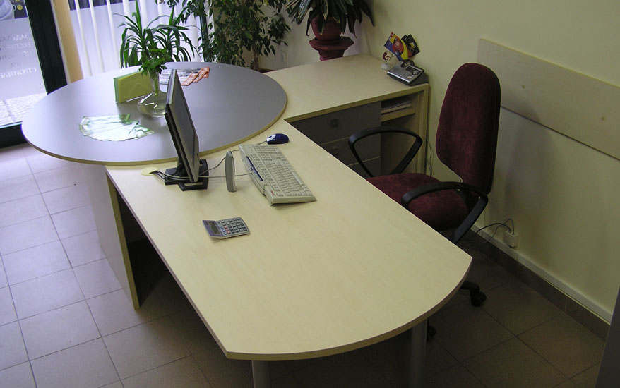 Мебели за офис по проект