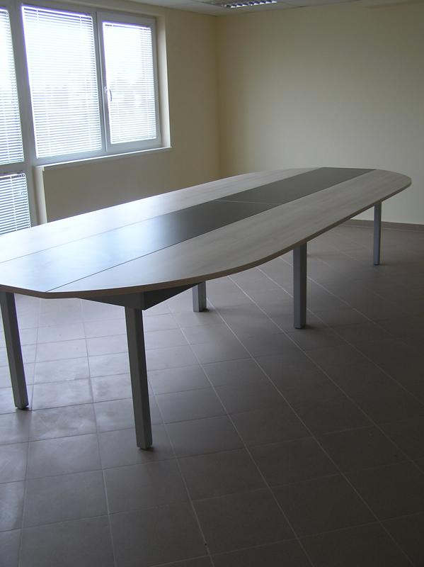 заседателна маса за кабинет