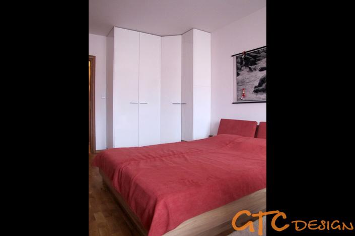 Обзавеждане за спалня с ъглов гардероб и легло