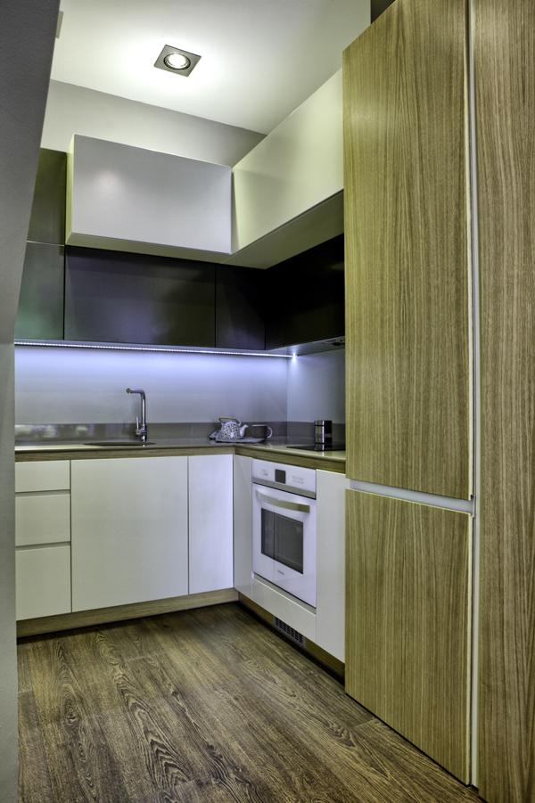 Кухня за ъгъл по индивидуален проект (поръчка)